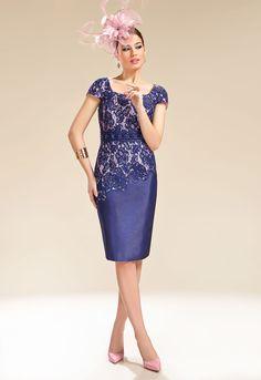Donna Zeila 8954 | GN Design GroupDONNA ZEILA 8954  Vestido corto de madrina en shantung combinado con encaje y chaqueta.