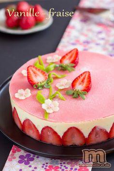 C'est la saison des fraises, et on voit partout sur la blogosphère des fraisiers. C'est vrai que c'est tellement bon, un bon fraisier avec...