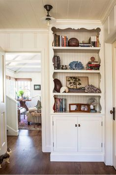 Laguna Beach Cottage Clark Collins Design | hookedonhouses.net