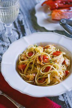 Un classico che propongo spesso per una cena elegante, perfetto per un menù a base di pesce: scopri la mia ricetta degli spaghetti con l'astice!