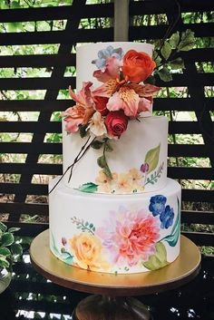 5 Amazing Wedding Cake Designers We Totally Love ❤️ See more: http://www.weddingforward.com/wedding-cake-designers/ #wedding #cakes #designers