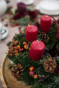 Weihnachtskränze, Adventskränze, Weihnachten, Kränze, Dekoideen, Winter, DIY, Weihnachtsmenü, Glühwein, Spekulatiusgugelhupf, Herbst- und Wintergemüse-Auflauf, Käsesouffle, Filetköpfe, Selleriegemüse, hausgemachtes Pesto, One Pot Apfel Most Hendl, Adventfeier, Weihnachtsfeier, advent wreath, christmas wreath, wreaths, christmas, decor, decoration ideas, christmas menu, mulled wine, speculoos bundt cake, winter vegetables, cheese souffle, filet heads, one pot apple cider chicken, christmas… Winter Diy, Table Decorations, Party, Home Decor, Natural Materials, Christmas Time, Homemade, Christmas, Dekoration