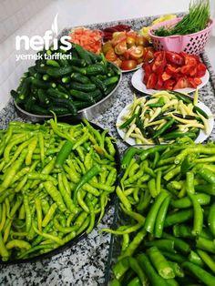 sap kısmından ayrılır ve dilediğiniz büyüklükte kesilir. Salatalıklar özenle yıkanır içinde en çok Romanian Food, Indian Dishes, Green Beans, Pasta, Restaurant, Homemade, Canning, Vegetables, Amigurumi