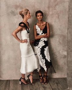 These black and white midi dresses are gorgeous! Love how romantic, ladylike and., These black and white midi dresses are gorgeous! Love how romantic, ladylike and. These black and white midi dresses are gorgeous! Love how romantic. Look Fashion, High Fashion, Womens Fashion, Dress Fashion, Trendy Fashion, Races Fashion, Party Fashion, Looks Party, Look Retro