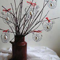 Ptáček s vajíčkem / Zboží prodejce mat. Wire Crafts, Xmas Crafts, Easter Crafts, Diy And Crafts, Wire Ornaments, Wire Flowers, Beads And Wire, Wire Art, Spring Flowers