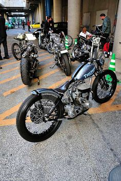 Mooneyes Yokohama Hot Rod Custom Show 2011 Idea of Metal Flakes Triumph Chopper, Triumph Bikes, Bobber Bikes, Bobber Motorcycle, Bobber Chopper, Moto Bike, Triumph Motorcycles, Girl Motorcycle, Motorcycle Quotes