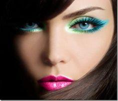 Resultados da Pesquisa de imagens do Google para http://www.blogdavicky.com.br/site/wp-content/uploads/2012/07/verde-e-azul-neon-make-up.jpg