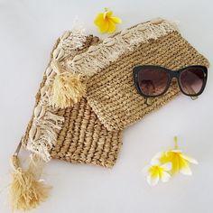 Natural raffia straw clutch purse / bag Neutral colored