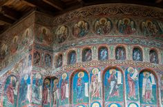 """The Sistine Chapel of the East"": Romania's Beautiful Voroneț Monastery Orthodox Catholic, Orthodox Christianity, 1 Century, Sistine Chapel, Christian Faith, Byzantine, Travel Around The World, Romania, Fresco"