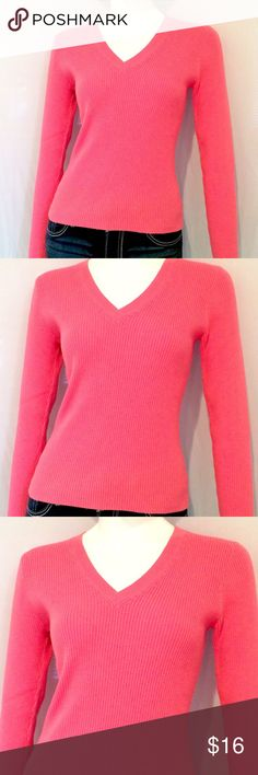 "Moda International Pink V Neck Sweater Moda International Pink V Neck Sweater. Long Sleeves. 100% Cotton. Size Medium. Machine Wash Cold. Measurements: Armpit to Armpit 17.5"", Length 22"", Sleeves 25"". Moda International Sweaters V-Necks"