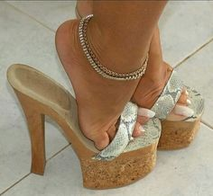 high heels – High Heels Daily Heels, stilettos and women's Shoes Sexy Legs And Heels, Hot High Heels, Platform High Heels, High Heels Stilettos, Stiletto Heels, Gorgeous Feet, Sexy Toes, Fashion Heels, Shoes