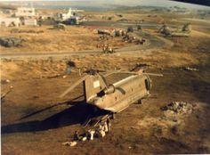 Un Chinook de la Aviación del Ejército y otro de la Fuerza Aérea