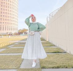 Casual And Pleated Hijab Skirt Outfits To Copy - Image Credit:@safiyahhh - Looking for Inspiration On How To Wear Skirt Outfits With Modest Fashion, Then Keep Reading For Inspo On Ootd Hijab Skirt Midi, Street Hijab Fashion, Skirt Outfits For Winter, Casual Outfits With Skirts, Skirt Outfit Classy And Much More. #hijab #hijabfashion #summeroutfits #hijaboutfit #skirt