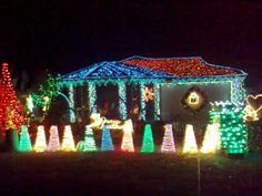 6 Of The Best Christmas Light Displays Ever!!! 4 Different Houses With  Amazing Light Setups And Creativity. Tons Of Lights Synchronized With Music!