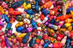 Recycled Paper Beads - my new favorite craft. Crafts For Teens, Diy For Kids, Crafts To Make, Fun Crafts, Paper Crafts, Diy Paper, Paper Art, Make Paper Beads, How To Make Paper