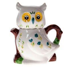 miniature owl teapot with branch-shape handle and short spout, white body with painted flower decoration, ceramic Owl Kitchen, Teapots And Cups, Teacups, Owl Cat, Teapots Unique, Ideas Prácticas, Tea For One, Ceramic Owl, Pot Sets