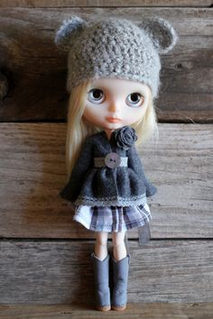 https://flic.kr/p/dmxVWv | Rose ~ pretty little model. | Sporting the cutest hat ever by Donna.