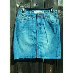 ZARA Woman High Waist Skirt Zara Woman Premium Collection Aged Denim. High waisted jean skirt like new, but without original tags. Size US 6. Ask any questions you may have about more pictures or measurements! I welcome all reasonable offers! Also bundle with another item in my closet to save 15% Tags: Zara, TopShop, forever 21, brandy melville, American apparel, urban outfitters Zara Skirts Mini