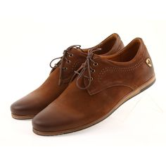 Men's sports shoes Riko 877 is a unique product of the Polish company. Shoes will satisfy every active man who values simplicity combined with elegance. Denim Fashion, Fashion Outfits, Sporty Style, Natural Leather, Sports Shoes, Low Heels, Sportswear, Oxford Shoes, Dress Shoes