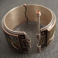 Micromosaic bangle (clasp) - Cynthia Toops and Chuck Domitrovich Jewelry Clasps, Jewelry Tools, Clay Jewelry, Metal Jewelry, Jewelry Findings, Jewelry Art, Silver Jewelry, Jewelry Design, Jewelry Making