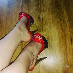 677 Me gusta, 28 comentarios - high heels (@ilona_feet) en Instagram