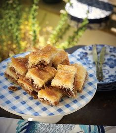 styling Antonia Kati photo by Vangelis Paterakis Greek Desserts, Greek Recipes, Vasilopita Recipe, Greek Pastries, Apple Pie, Holiday Recipes, French Toast, Cooking, Breakfast