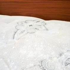 How to Deep-Clean Your Mattress | POPSUGAR Smart Living (A box of baking soda and 10-20 drops of essential oil)