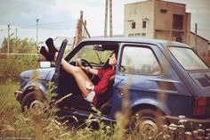 Fiat 126 the exact color my mother had....i started the car, at 11, and as a gear was in, we moved 5 meters....got so scared...