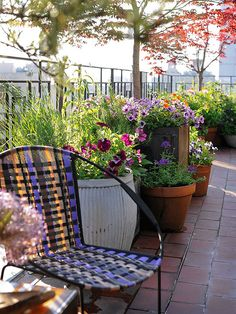 We would love to drink a cup of coffee on this city patio! More outdoor decorating projects: http://www.bhg.com/home-improvement/porch/outdoor-rooms/outdoor-decorating-projects/?socsrc=bhgpin061613citypatio=15