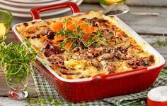 Härlig rotfruktsgratäng där chorizo eller andra kryddiga korvar passar bra att använda.