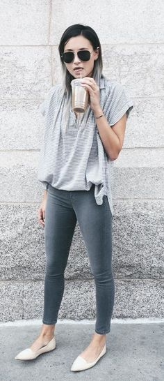 Tuck a flowy collared t-shirt into ankle jeans for brunch with friends or running errands.