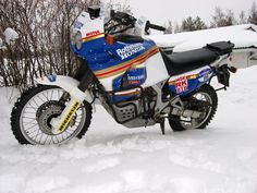 rothmans honda xrv Honda Africa Twin, Dual Sport, Cars And Motorcycles, Motorbikes, Twins, Queen, Vehicles, Motorcycles, Car