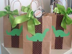 Inspire your Party ® Dinosaur Birthday Party, 6th Birthday Parties, Baby Birthday, Cardboard Crafts Kids, Die Dinos Baby, The Good Dinosaur, Party Decoration, Preschool Crafts, First Birthdays