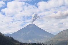 Informe Especial Tungurahua 10 - 2015  Figura 2. Emisión caracterizada por un bajo contenido de ceniza registrada a las 09h11 Tiempo Local (Foto: F. Vásconez, OVT).