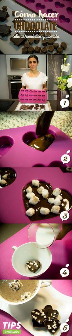 Si se te antoja un original chocolate caliente hecho de puro chocolate, esta idea te encantará. Además de ser una manera original de preparar esta bebida, puedes utilizar moldes de silicón para darle formas divertidas al chocolate, como de flores, o corazones.