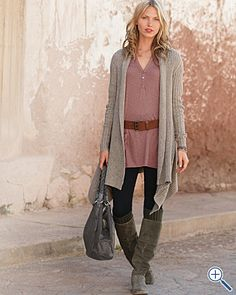 Love tunics and boots Wonder if I could pull this off without looking like a snowcone....Hmmmm.