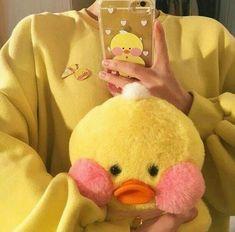 Imagem de yellow, aesthetic, and soft Aesthetic Colors, Aesthetic Pictures, Aesthetic Yellow, Aesthetic Videos, Aesthetic Grunge, Vsco Gratis, Japon Illustration, My Favorite Color, My Favorite Things