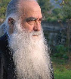 """""""Αμφοτεροδέξιος..."""" : """"Είσελθε"""" ή ο θάνατος που αξίζει να τον ζηλέψεις! Faith, Christian, Long Hair Styles, Fictional Characters, Drink, Food, Big Beard, Long Hair Beard, Long Beards"""