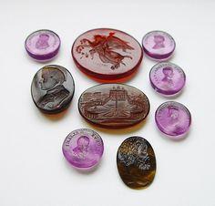 9 ANTIQUE UNMOUNTED GLASS TASSIE INTAGLIO SEALS: NAPOLEON, NYX, DA VINCI ETC