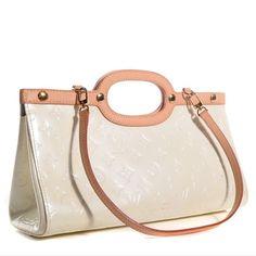 Authentic Louis Vuitton Vernis Roxbudy Ivory Authentic ! Like new! Louis Vuitton Bags Shoulder Bags