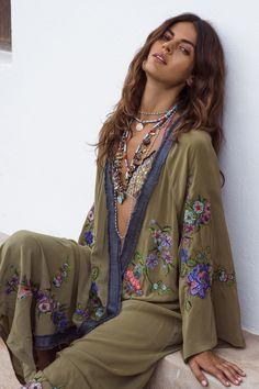 2019 Gorgeous Nostalgia Boho Long Kimono Floral Embroidery Maxi Hippie - Nostalgiastyles Clothing Store Co. Kimono Floral, Green Kimono, Bohemian Kimono, Beach Kimono, Boho Dress, Hippie Boho, Bohemian Style, Boho Chic, Bohemian Fashion