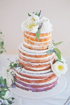 This is one beautiful bare cake!