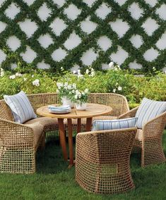 Our low-maintenance Liselle Dining Collection has a relaxed, transitional style that's perfect for alfresco meals with family and friends. All-weather resin wicker is woven around lightweight powdercoated aluminum frames that enable you to quickly arrange and rearrange each piece to suit your dining needs.