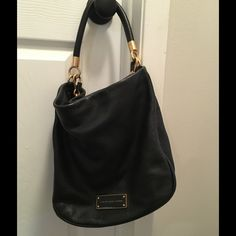 """Marc by Marc Jacobs Too Hot to Handle Hobo Handbag Classic MBMJ handbag in Good condition. Slight wear on nameplate. Removable shoulder strap. Leather. 12.5"""" X 12"""" X 4.5"""". No trades. Marc by Marc Jacobs Bags Hobos"""