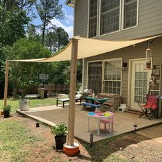 Budget Patio, Patio Diy, Backyard Patio Designs, Backyard Landscaping, Patio Table, Inexpensive Patio Ideas, Simple Deck Ideas, Diy Backyard Projects, Covered Deck Ideas On A Budget