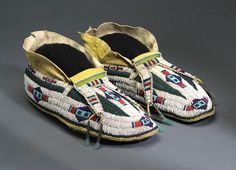 Classic Southern Arapaho Moccasins #9409