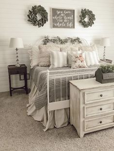 What's your favorite bed frame look? has kept it fresh and simple with a white wrought iron bed frame that looks… Source by Bedding Master Bedroom, Farmhouse Master Bedroom, Home Bedroom, Bedroom Furniture, Walnut Bedroom, Bedroom Brown, Bedroom Ideas, White Iron Beds, White Metal Bed