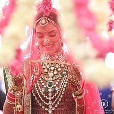 Bridal photography by @ronickakandhari .. So so beautiful ..  #bridal #weddingPhotography #photography #bride #polki