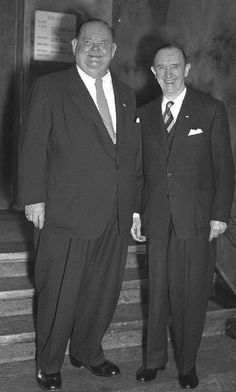 Laurel and Hardy on board of a Cunard Line Ship in 1949 Laurel And Hardy, Stan Laurel Oliver Hardy, Hollywood Actor, Hollywood Stars, Classic Hollywood, Old Hollywood, Great Comedies, Classic Comedies, Comedy Duos