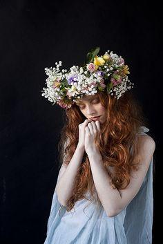 50 New Ideas For Flowers Photography Woman Inspiration Floral Crowns Photography Women, Portrait Photography, Fashion Photography, Photography Flowers, Crown Tumblr, 3 4 Face, Foto Fantasy, Pre Raphaelite, Arte Floral